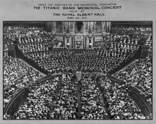A packed Royal Albert Hall for the memorial concert held 24 May 1912.